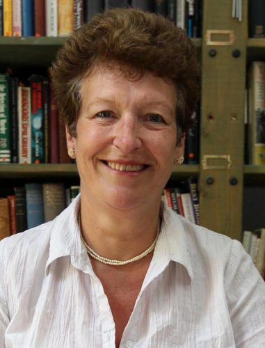 Author Ruth Wade publicity photo 1