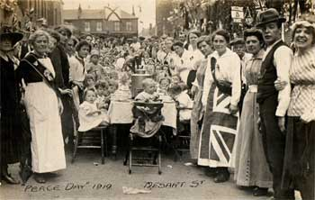 Poplar Street party for Peace Day 1919. BK Duncan