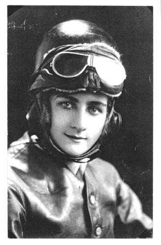 Jessie Ennis motorcycle stunt rider in 1928